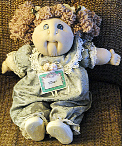 Jillian Babyland General Hospital Cabbage Patch Doll 2001