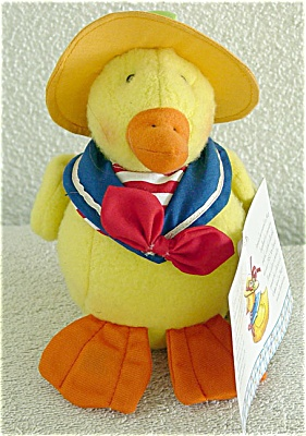 Enesco Mary Engelbreit Cuties Delano Yellow Duck Plush (Image1)