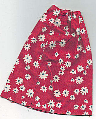 Mattel Red Floral Free Moving Barbie Skirt 1976 (Image1)