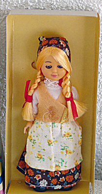 1980s Poland Nationality Girl Doll (Image1)