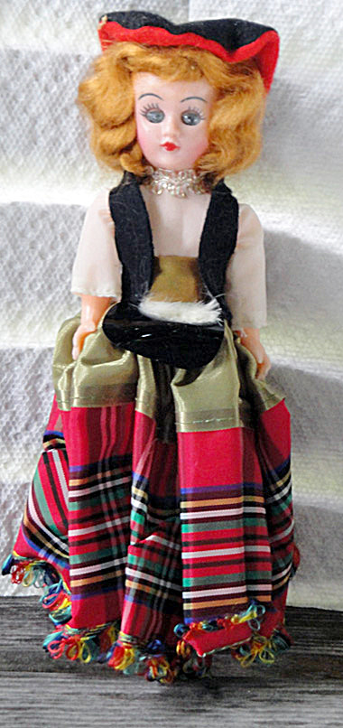 Vintage Scottish 7.5 inch Nationality Doll (Image1)