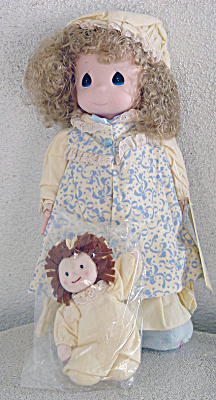 Precious Moments 1993 Dawn Doll with Rag Doll (Image1)