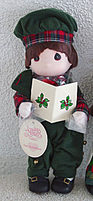 Precious Moments Ian Caroling Boy Doll 1996 (Image1)
