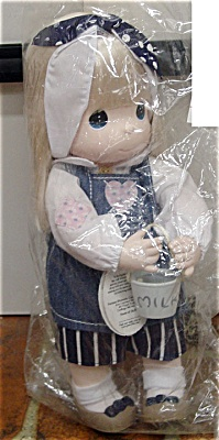 Precious Moments Judy with Milk Pail Doll 1998 (Image1)