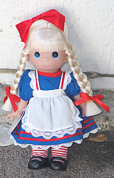 Precious Moments Co. Alice In Wonderland Doll 2009