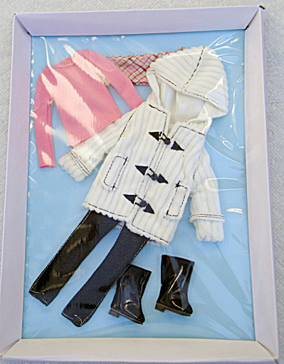 Tonner Chill in the Air Sindy Doll Outfit 2014 (Image1)