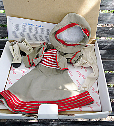 Shirley Temple Wee Willie Winkie Brown Travel Doll Outfit 1996