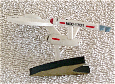 Star Trek Classic Enterprise Polyvinyl Mini-Figurine (Image1)