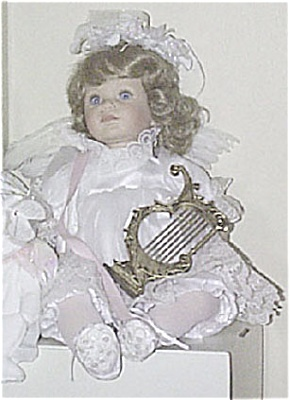 Susan Wakeen 1995 Blonde Perfect Angel Doll (Image1)