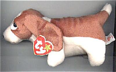Ty Tracker the Bassett Hound Beanie Baby 1998-1999 (Image1)