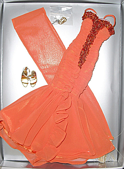 Tonner I Just Adore Conversation Marilyn Monroe Doll Outfit (Image1)