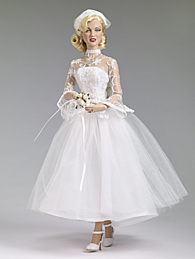 Marilyn Monroe Shipboard Wedding Doll Tonner 2013