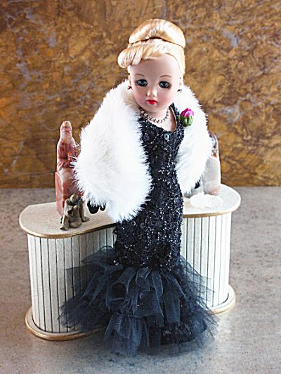 Tonner Evening in Paris 10.5 In. Revlon Doll, 2011 (Image1)