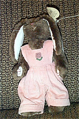 Ty Rose Attic Plush Tan Bunny in Pink Overalls 1998 (Image1)