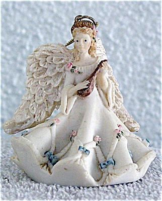 United Design Heavenly Harmony Angel Ornament (Image1)