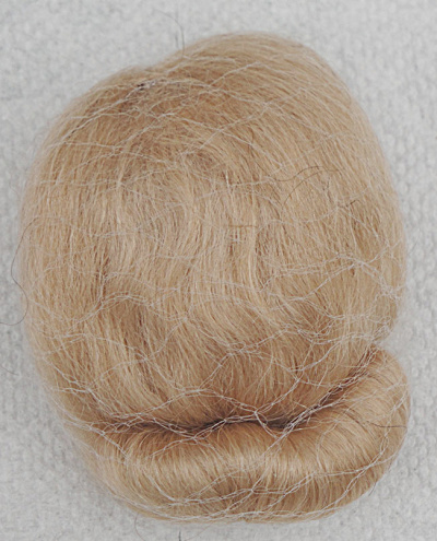 Golden Blonde Mohair Wig for Vintage Vogue Ginny Dolls (Image1)