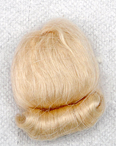 Light Blonde Mohair Wig for Vintage Vogue Ginny Dolls (Image1)