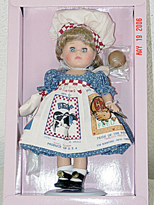 1997 Vogue Ginny Barbecues Doll (Image1)
