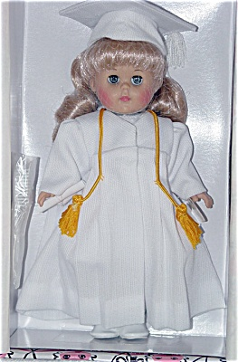 Vogue 2002 Graduation Blonde Ginny Doll (Image1)