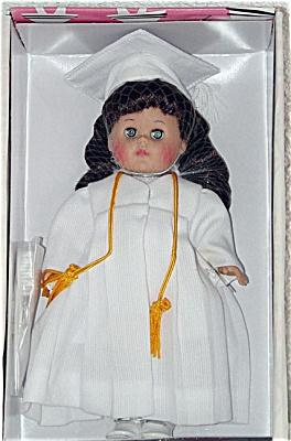 Vogue 2002 Graduation Brunette Ginny Doll (Image1)