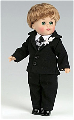2006 Vogue Modern Ginny Boy Groom Doll (Image1)