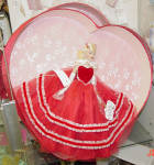 Click to view larger image of Tonner Tiny Kitty Valentine Hearts Hat Box Set 2005 (Image3)