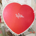 Click to view larger image of Tonner Tiny Kitty Valentine Hearts Hat Box Set 2005 (Image5)