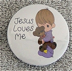 This Precious Moments Company round metal refrigerator magnet's artwork depicts a Precious Moments Jesus Loves Me Boy with a Teddy Bear, from the late 1990s. If only 1-3 magnets are ordered, lower-priced first class shipping is available by request in comments section of order form. New, mint condition.