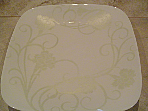 Corelle Carnations Square Dinner Plates - Green On White