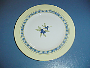 Royal Doulton Carmina Lunch/salad Plates W/olives