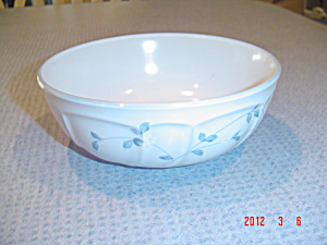 Noritake Strawberry Delight Soup/cereal Bowls