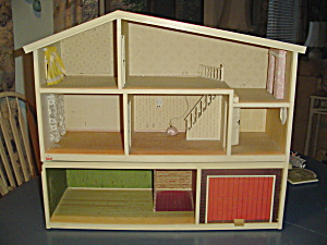 Vintage Lundby 3 Story Electric Doll House From Sweden