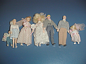 Complete Bridal Party Doll House Furniture Dolls