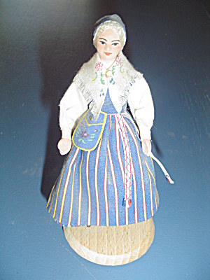 Wooden Maiden On Stand For Doll House Furniture Miniature