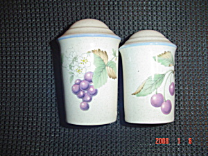 Savoir Vivre Salt And Pepper Shakers