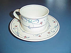 Mikasa Annette Cups/saucers