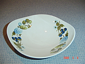 Iroquis Blue Vineyard Winged Bowls