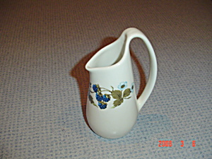 Iroquois Blue Vineyard Creamer