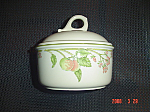 Wedgwood Wild Apple Covered Sugar Bowl