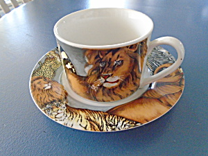 Sakura Le Menagerie Cups And Saucers