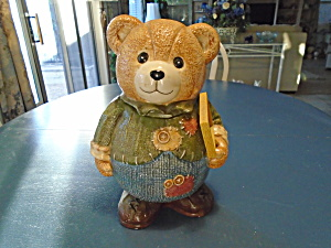 GKA Ceramic Teddy Bear Holding a Wood Sign (Image1)