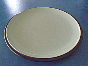 Denby Duet Black and Green Dinner Plate (Image1)