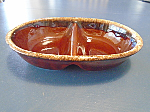 Hull Pottery Brown Drip Divided Serving Bowl (Image1)