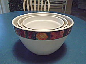 Sakura Malaga Set Of 3 Stacking Mixing Bowls