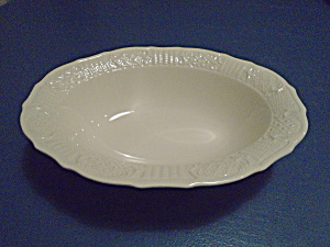 Canonsburg Pottery American Traditional Oval Bowl