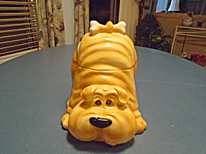 Sharpae Cookie Jar w/Bone Hairpiece (Image1)