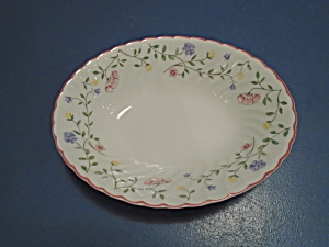 Johnson Bros Summer Chintz Oval Serving Bowl