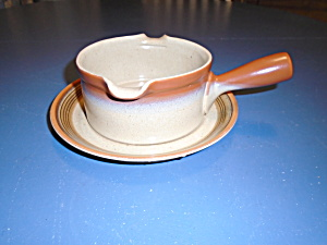 Mikasa Country Cabin Gravy Boat W/underplate