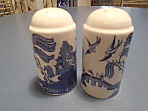 Johnson Bros Salt And Pepper Shaker Set