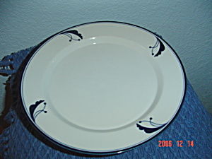 Dansk Flora Bayberry Blue Salad/Lunch Plates Portugal (Image1)